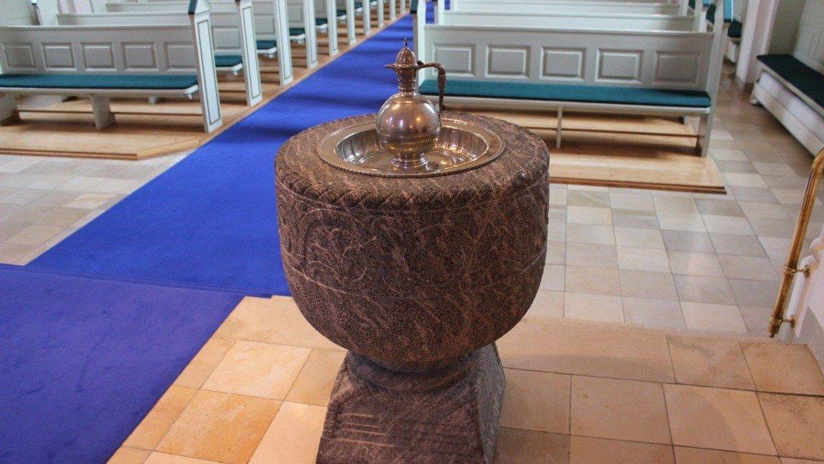 Dåb AFLYST - flyttes til februar