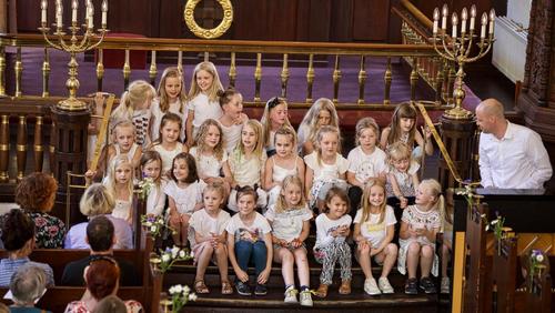 Børnekoret øver i Simeons Kirke
