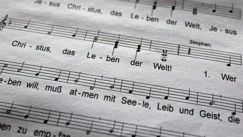 Offenes Singen im Freien und mit Abstand