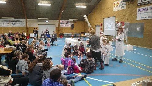 Børnegudstjeneste  i Hampen Multihal
