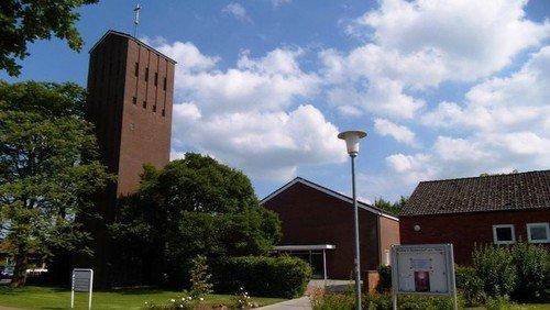 Regionalgottesdienst zum Reformationsfest in Büdelsdorf mit Einführung von Kirchenmusiker Marius Branscheidt