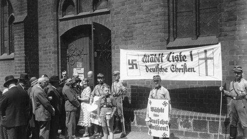 Hakenkreuze am Altar – Über die Rolle der Kirchen im NS-Regime AUSGEBUCHT!
