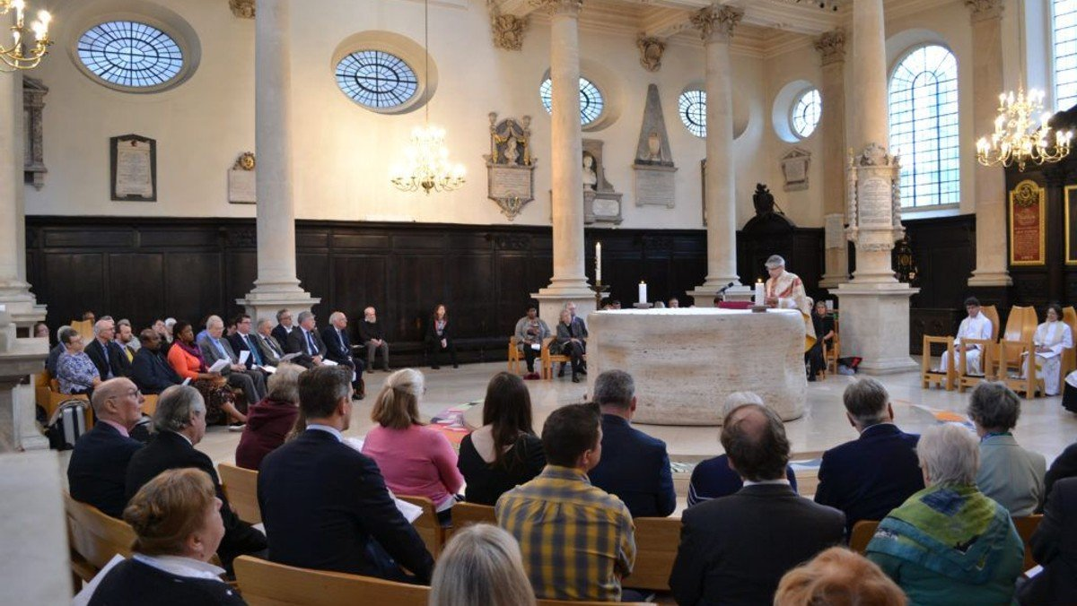 Parish Mass and admission of Churchwardens in church (and on YouTube)