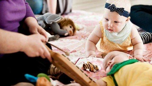 Babysalmesang ved Anette Riis