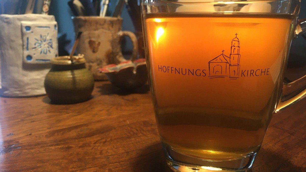 Tee und Thema Abend