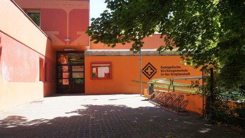 Gottesdienst für KLEIN und groß | mit Abendmahl im Gemeindezentrum Gropiusstadt
