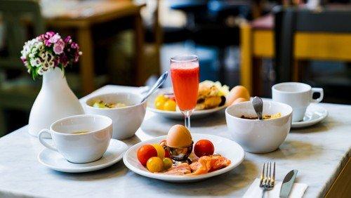 Frühstückscafé für Senioren