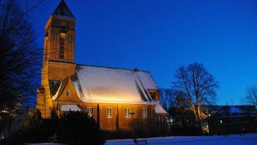 Heilig Abend auf der Wiese hinter der Anscharkirche - Christvesper für Jung + Alt