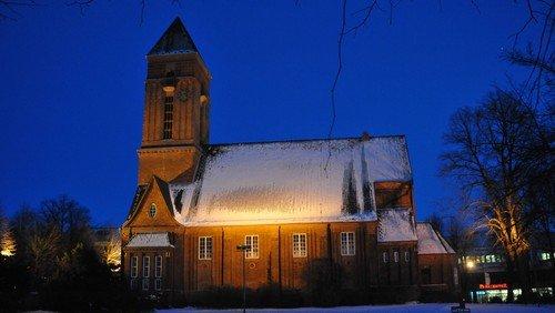 Heilig Abend auf der Wiese hinter der Anscharkirche - Christvesper