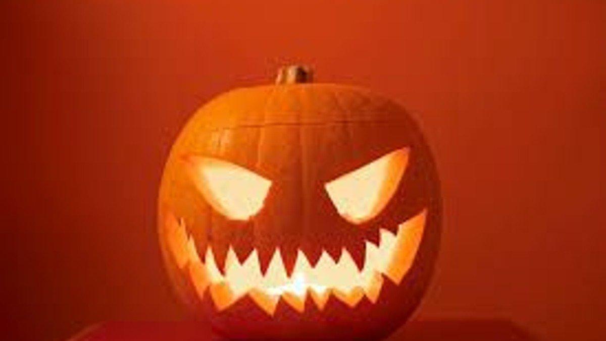 Halloween men ungdomshuset