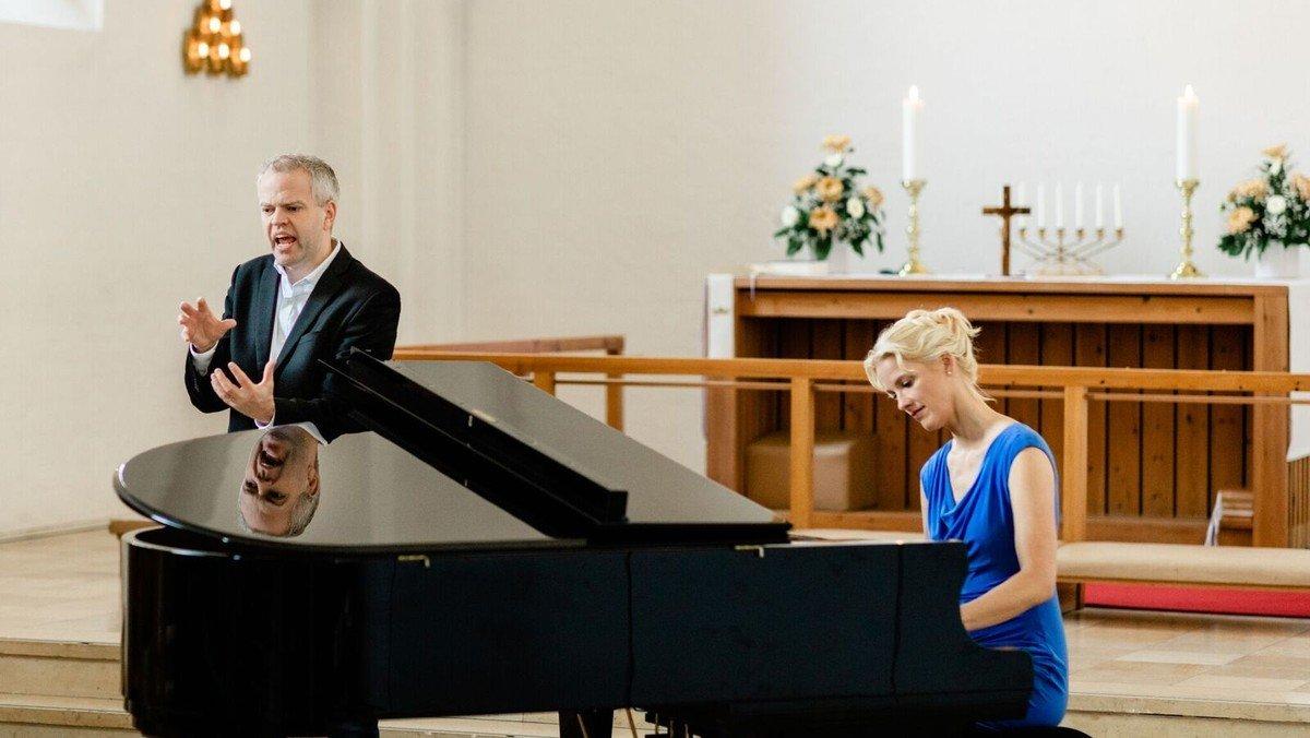 "Musikalsk foredrag - "" Livet og døden - får kærlighed til hverdagen i en sårbar verden"""