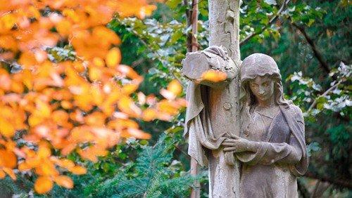 Gottesdienst mit Gedenken der Verstorbenen - ONLINE ANMELDUNG NUTZEN