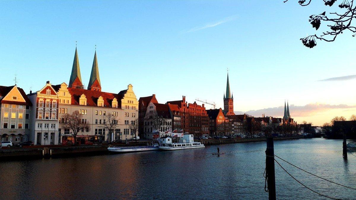 Glockengeläut aller Lübecker Kirchen _ Weihnachten Anders