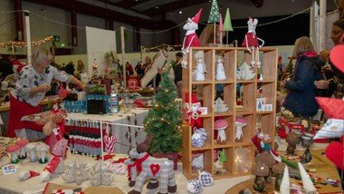 Afhentning af forudbestilt julepynt i Præstegården