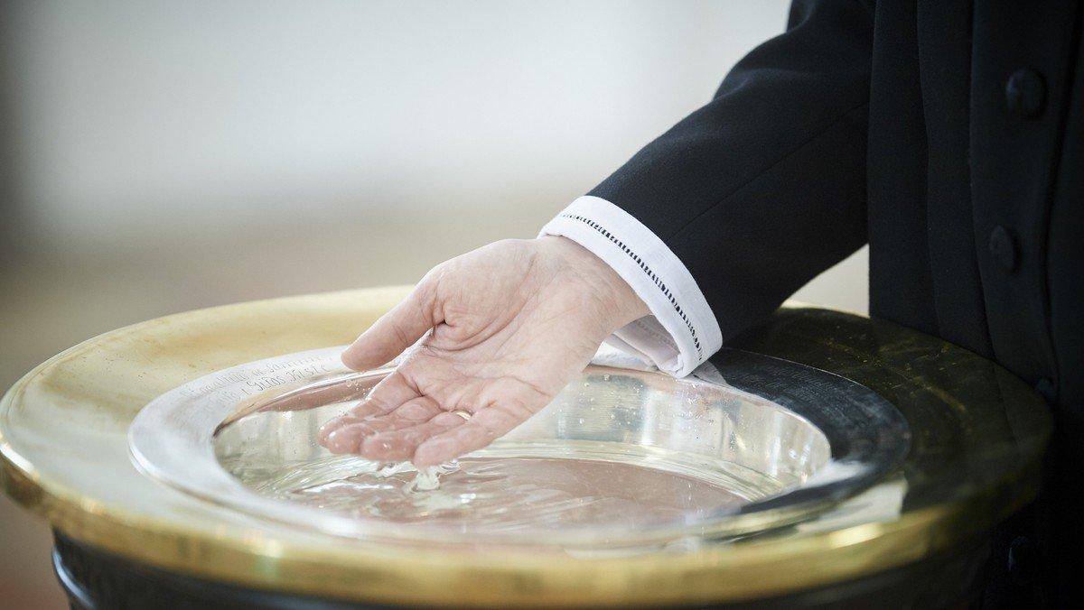 Dåbsgudstjeneste af tvillinger