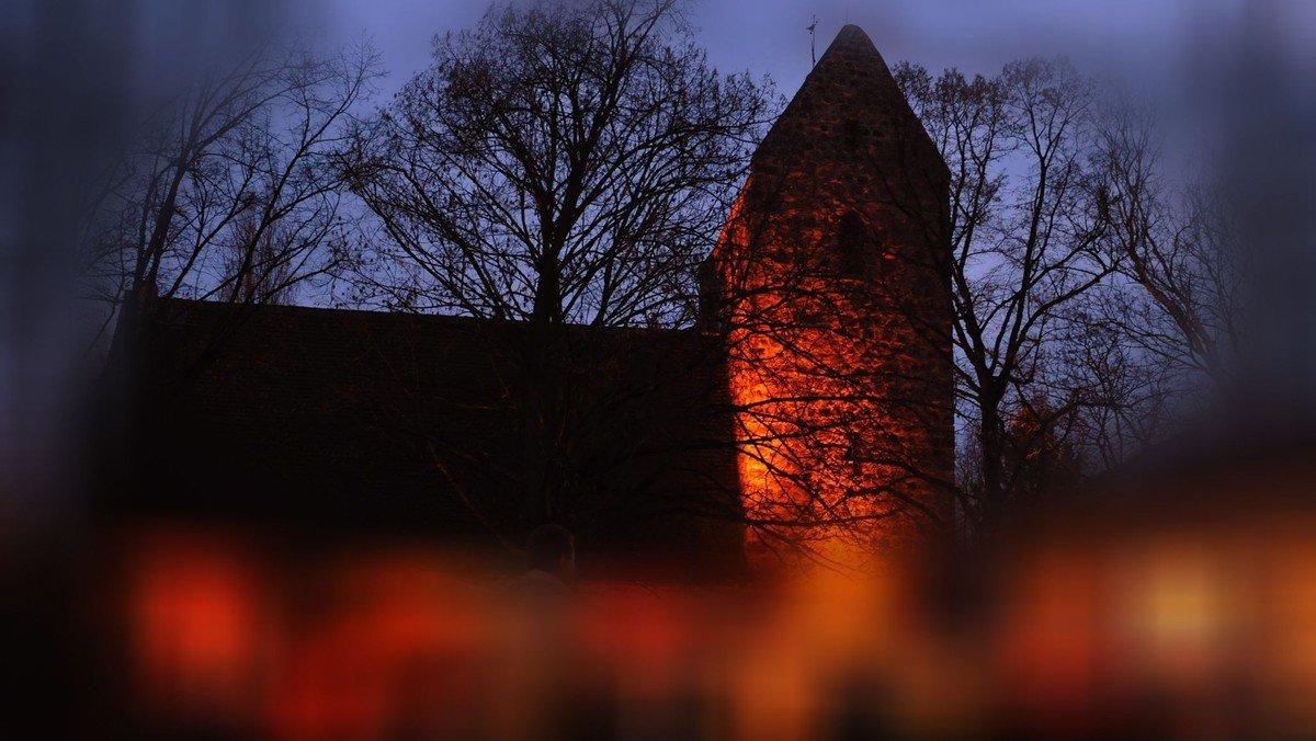 Musikalische Mitternachtsmesse ONLINE auf www.dorfkirche-alt-buckow.de
