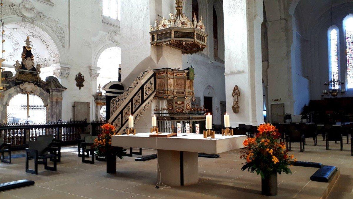 Abendmahlsgottesdienst mit Altbischof Karl Ludwig Kohlwage- zeitgleich Kindergottesdienst