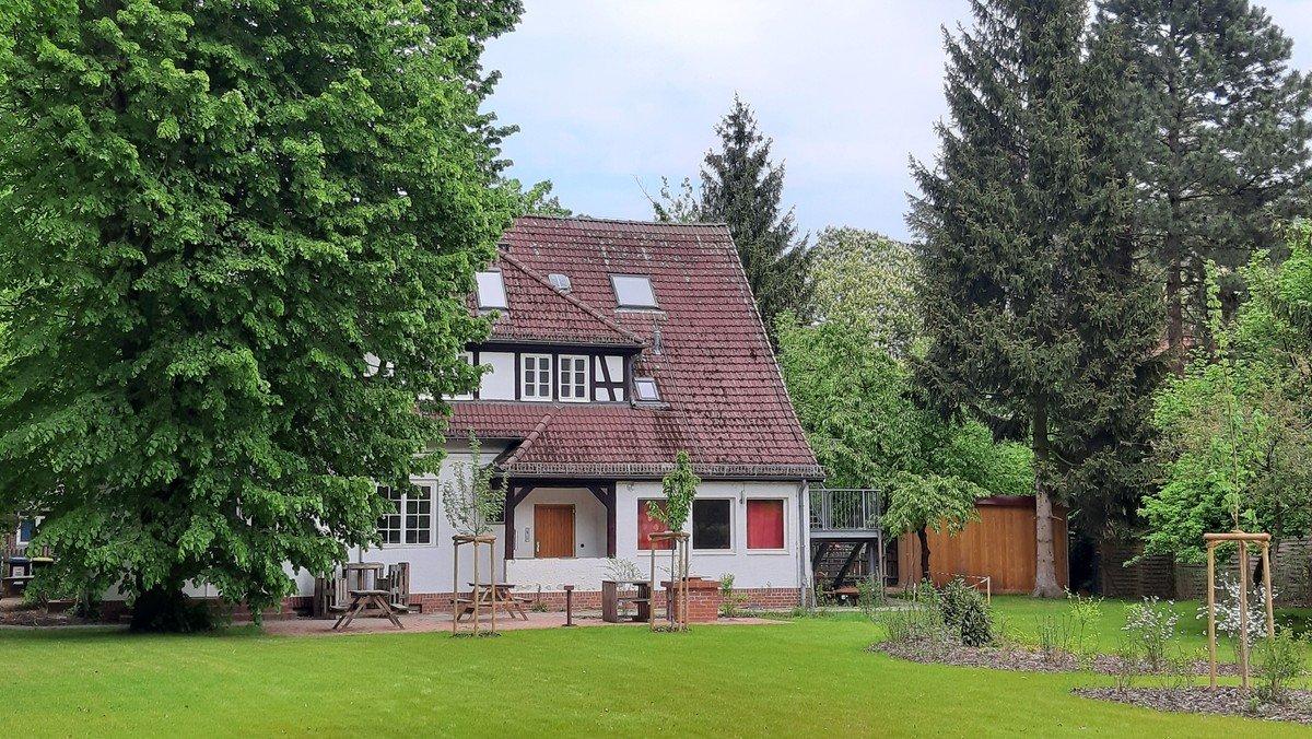 Open-Air-Gottesdienst im Garten Fuchssteinerweg 20-26