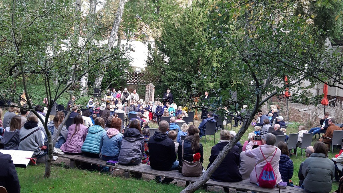 Familien-Gottesdienst im Gemeindegarten