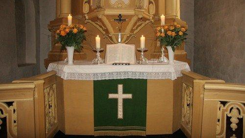 Gottesdienst in der Dorfkirche Britz - entfällt, aber wenn jemand kommt: kurzes gemeinsames Vater Unser in der Kirche
