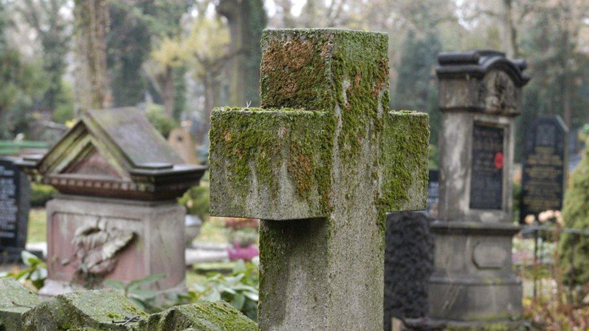 Andacht zum Ewigkeitssonntag auf dem Klinter Friedhof
