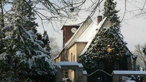 Open Air Andacht zum Weihnachtsfest auf dem Kirchhof in Gatow