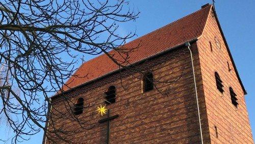 Andacht mit Adventsliedersingen auf dem Vorplatz der Johanneskirche