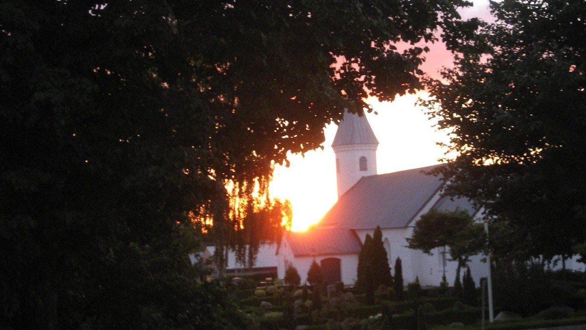 Stillegudstjeneste i Them Kirke