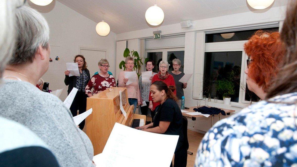 AFLYST Gospelkoret øver i menighedscenteret