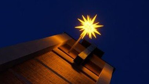 Familiengottesdienst zum 1. Advent mit anschließendem Adventsbasar