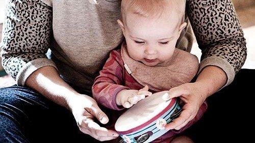 Babysalmesang kl. 13 (2-7 måneder, husk tilmelding)