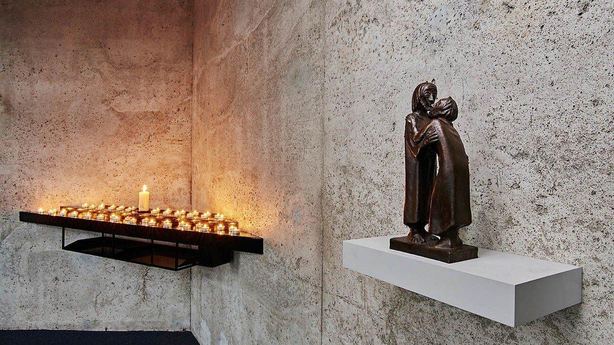 Offene Kirche - zum stillen Gebet geöffnet
