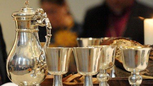 Gottesdienst mit Abendmahl (Wein in Einzelkelchen)