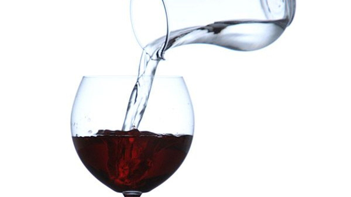 Online video-worship about water to wine