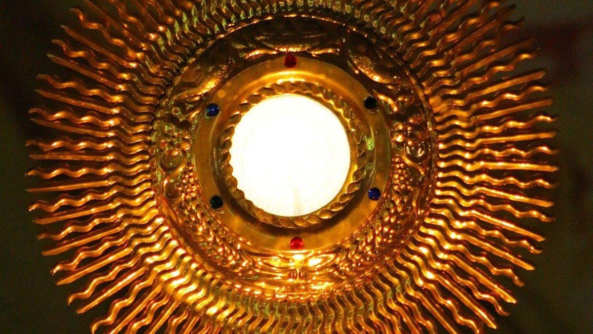 Bergen – Eucharistische Anbetung