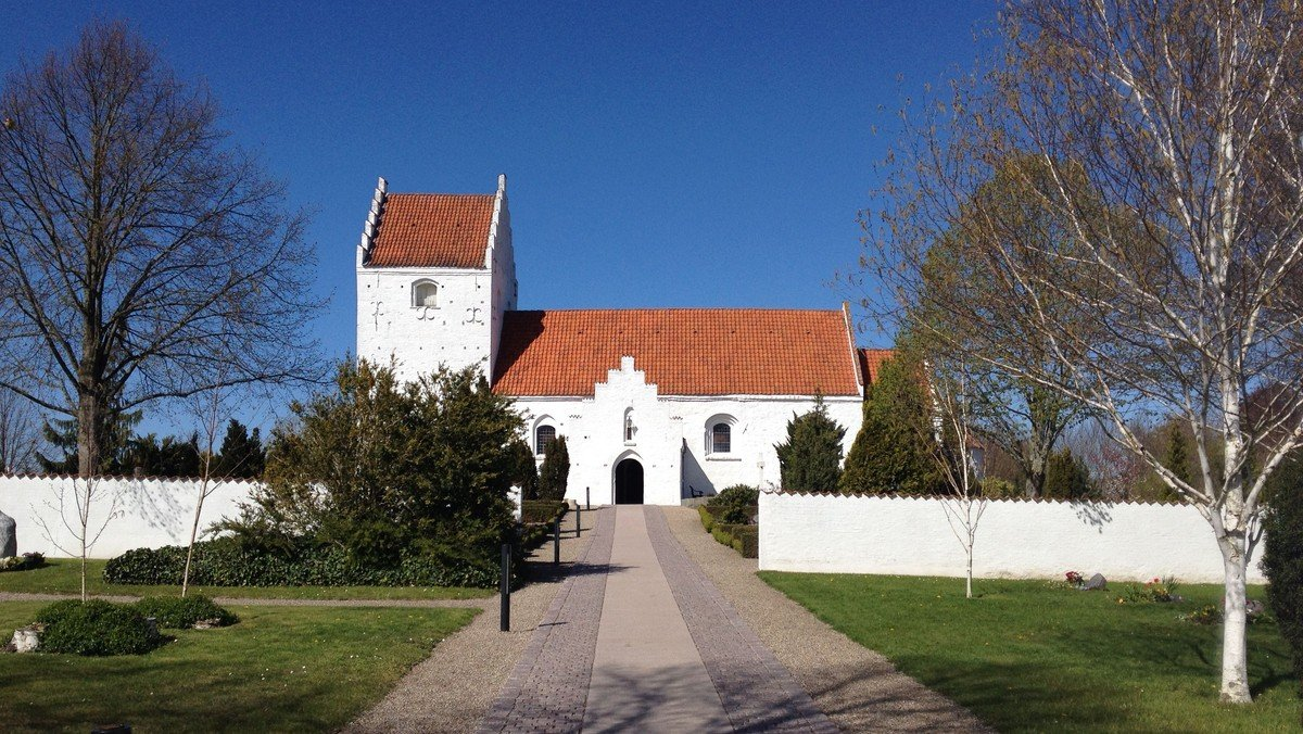 Pinsedagsgudstjeneste i Ågerup kirke v. Cecilie Raaberg