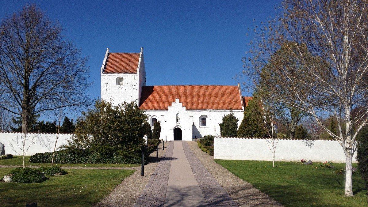 2. pinsedagsgudstjeneste i Ågerup kirke v. Sophie Juel