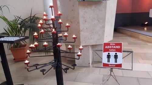 Kerzengebet zu Orgelklängen