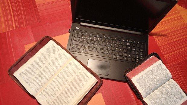 Digitales Bibelgespräch in Matthias-Claudius