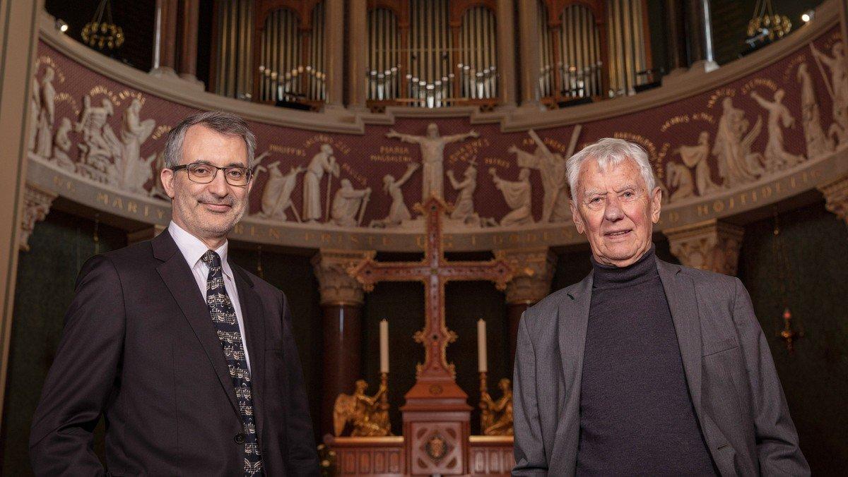 Bach og Bibelen v. skuespiller Paul Hüttel og organist Sven Verner Olsen