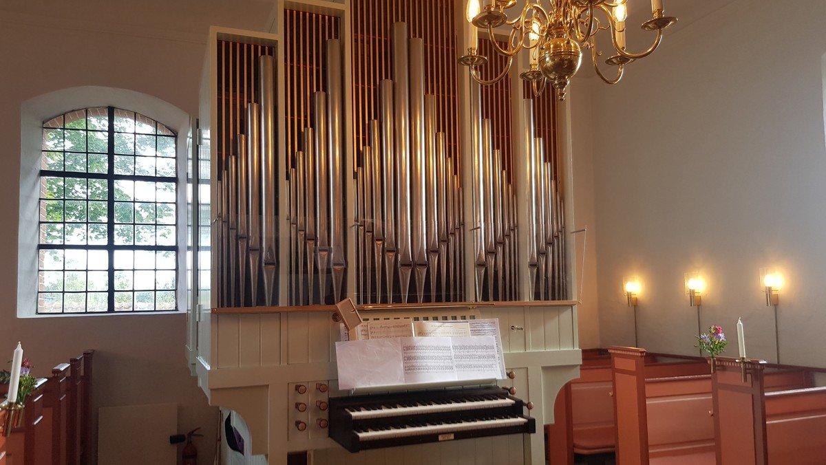 Gudstjeneste i Slagslunde Kirke med dåb ved Malene Buus Graeser - fejring af og foredrag om det nyrenoverede orgel