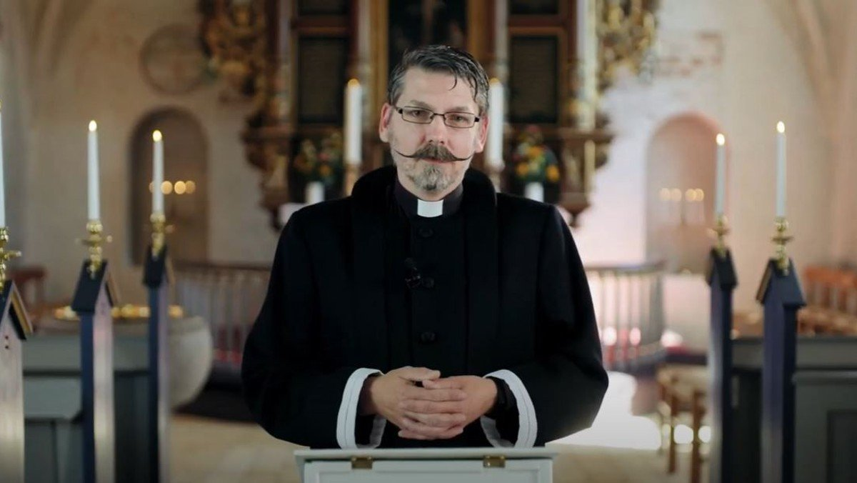 Gudstjeneste i Smørum Kirke - 5. s. efter påske fra første række