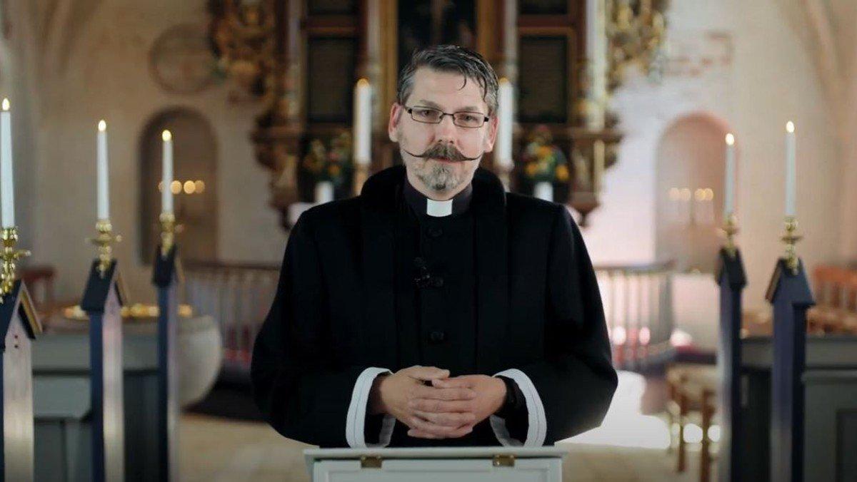 Gudstjeneste i Smørum Kirke -  10. s. efter Trinitatis fra første række