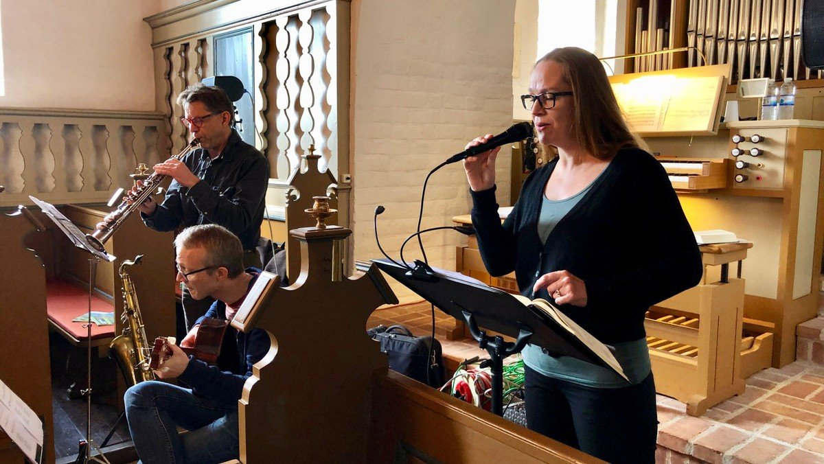 Rytmisk gudstjeneste i Storvorde Kirke