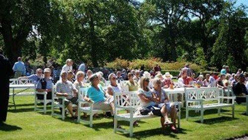Friluftsgudstjeneste i Visborggaard Park