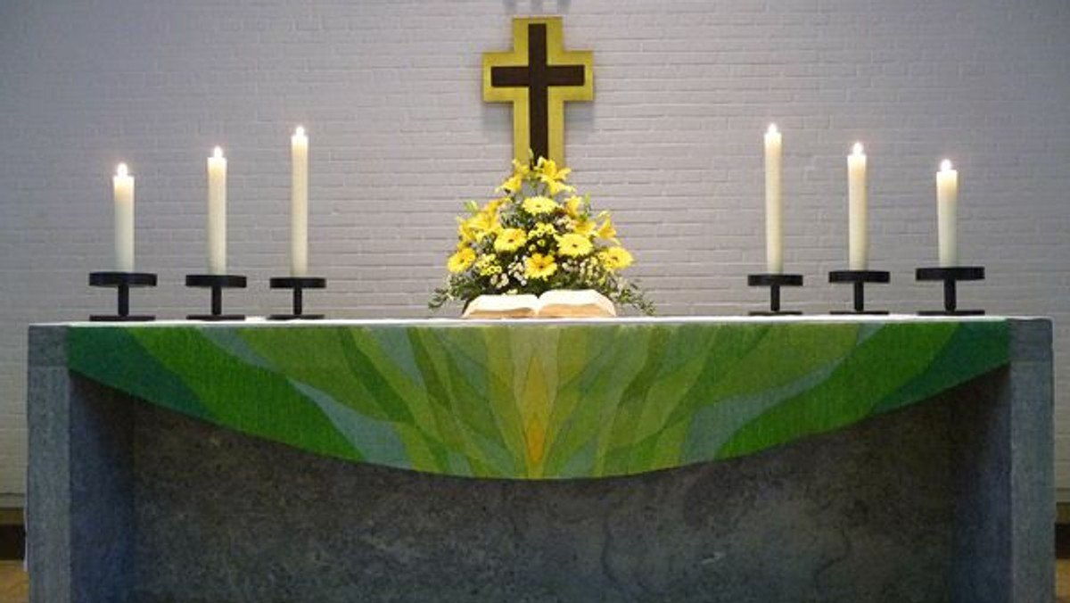 Gottesdienst in der Kirche und online über youtube