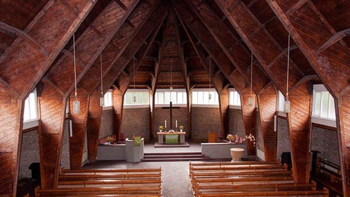 Gottesdienst in der Kirche und über youtube