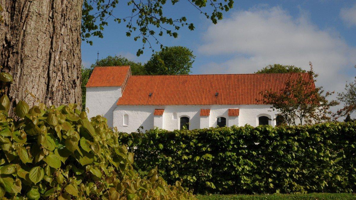 Højmesse i Asmild Kirke v. Lise Uhrskov