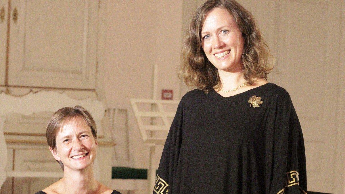 """VFK & Venner:  """"Kærlighedssange fra mange lande""""  - Lise Bech Bendix, sopran og Berit Juul Rasmussen, klaver"""
