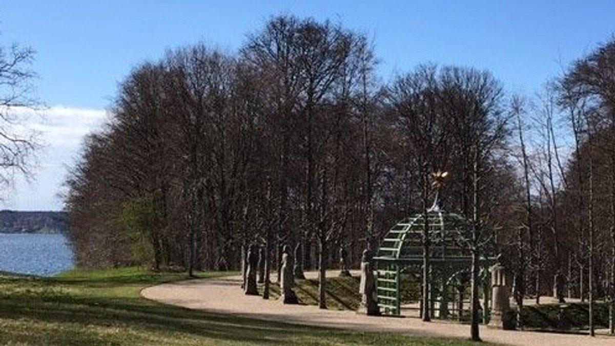 Friluftsgudstjeneste i Nordmandsdalen i Fredensborg Slotspark
